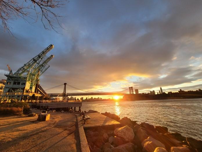 Coucher du soleil sur le pont de Williamsburg