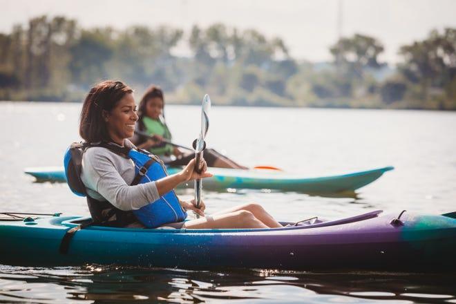 L'Iowa offre de nombreuses attractions naturelles à apprécier pendant l'été, que vous souhaitiez faire du kayak, de la randonnée, de la natation, du vélo ou de la marche.