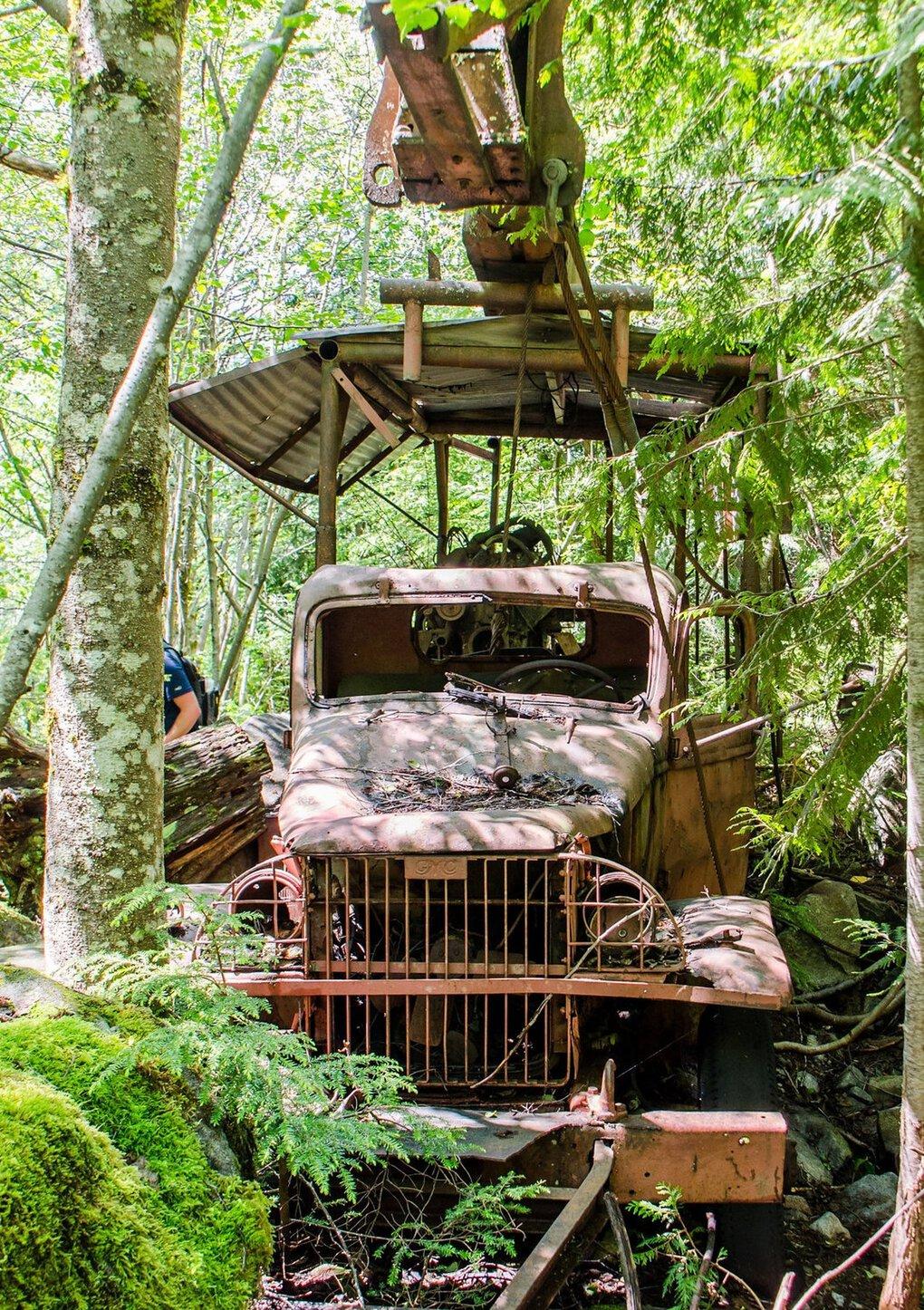 Dirty Harry's Peak porte le nom de Harry Gault, qui dirigeait autrefois une entreprise forestière dans cette région de montagne près du col de Snoqualmie.  Cela demande un certain effort, mais vous pouvez rendre visite à son vieux camion rouillé.  (Nathan Barnes)