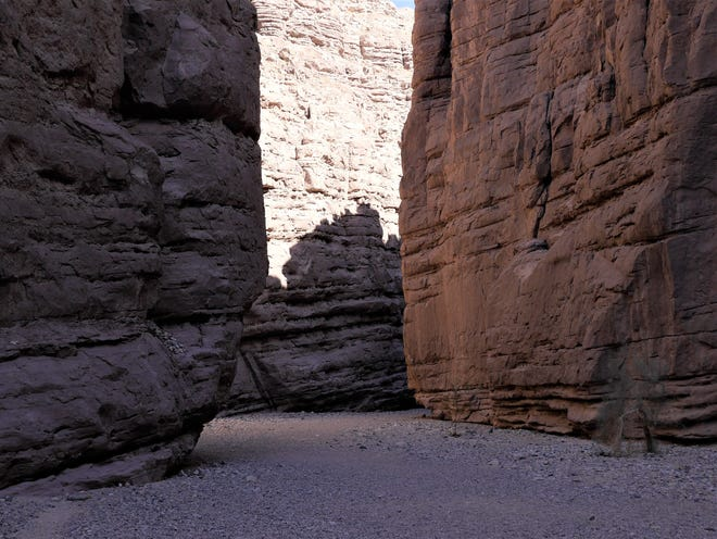 Une partie de la randonnée le long du Ladder Canyon et du Painted Canyon Trail près de La Mecque, en Californie.