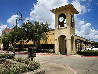 Le Jim Baugh Government Center de la ville de DeSoto est représenté dans le centre-ville de DeSoto à DeSoto, Texas, le mercredi 24 juin 2020.